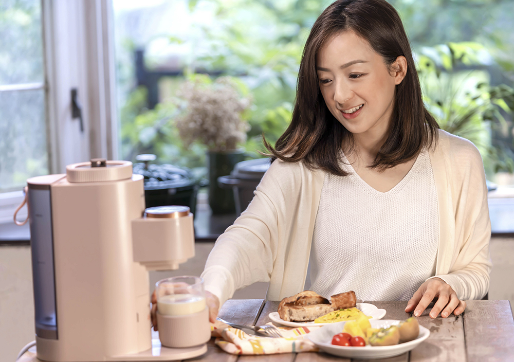 自己要喝的豆漿自己打 一用就愛上的小資美型家電  九陽免清洗多功能破壁豆漿機